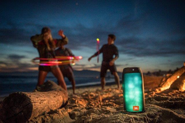 JBL Pulse 2 Black | LED Lights Tradeline Apple